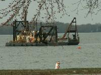 Dredge On Lake 2009_thumb.jpg