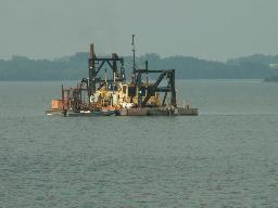 Dredge on Lake 1_thumb.jpg